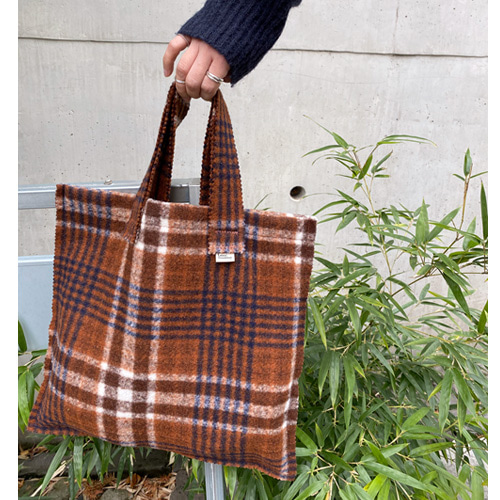 check wollen fabric bag